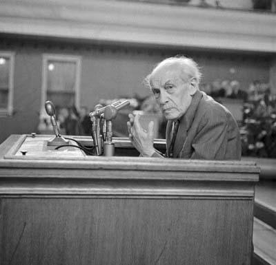 Místopředseda vlády akademik Zdeněk Nejedlý při projevu na Sjezdu socialistické kultury, červen 1959 (Foto: zdroj ČTK)