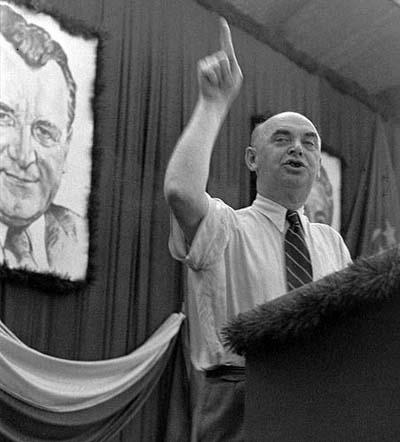 Ministr informací Václav Kopecký řeční, červen 1948 (Foto: zdroj ČTK)