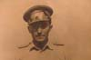 Miloš Knorr jako britský důstojník