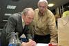 Diskusní seminář Intelektuálové a Pražské jaro 1968, 15. 5. 2008 - Rudolf Battěk podepisuje svou knihu Jako Červený Karkulák