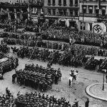 Dne 5. dubna se v Praze konala slavnostní přehlídka u příležitosti nástupu Konstantina von Neuratha do funkce říšského protektora. (Zdroj: ABS)