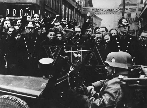 Výsledek obrázku pro foto studentů 15. března 1939