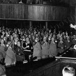 Poslanci Říšského směnu přísahají 1. září 1939 věrnost Adolfu Hitlerovi.