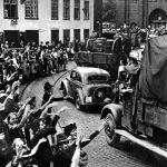 Německé obyvatelstvo Gdaňska vítá německou armádu.