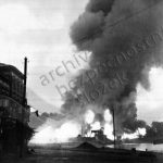 První výstřely 2. světové války vypálila německá školní bitevní loď Schleswig-Holstein na polský muniční sklad na poloostrově Westerplatte před Gdaňskem.