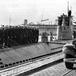 Hitler při inspekci ponorkového loďstva ve Wilhelshavenu.
