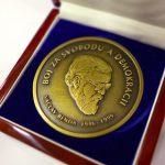 Medaile Václava Bendy (revers)