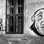 Antisemitský nápis na domě z dob Slovenského štátu (Bratislava)
