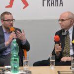Debatu moderoval Ondřej Matějka z ÚSTRu