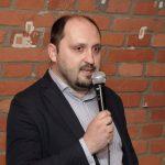 Ředitel ÚSTR Zdeněk Hazdra na vernisáži výstavy Ve znamení tří deklarací