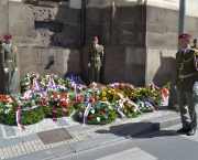 Uctili jsme památku parašutistů padlých v kostele v Resslově ulici