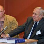 Tomáš Bursík z ABS a Karel Schelle, hlavní editor encyklopedie