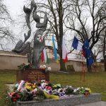 Památník Jana Palacha u gymnázia v Mělníku