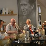 Zleva: Josef Pazderka, Pavel Litvinov, Mustafa Džemilev a Ágnes Heller