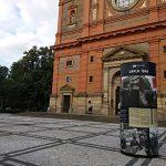 Výstavní sloup na náměstí 14. října v Praze 5
