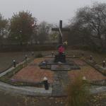 V rohu pohřebiště se nachází památník připomínající památku obětí Velkého teroru na Žytomyrsku (stav z roku 2016)