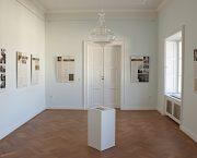 Výstava Ve znamení tří deklarací byla zahájena na zámku v Kostelci nad Orlicí