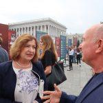 Místopředsedkyně Senátu Miluše Horská a Jurij Makuch, synovec jednoho z protestujících proti okupaci Vasyla Makucha