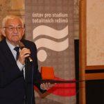 Za mimořádný přínos k reflexi novodobých dějin cenu dostal Miroslav Kasáček, zakladatel sdružení Paměť.