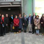 Společná fotografie účastníků odhalení pamětní tabulky popravenému Borisi Kučerovi v Moskvě