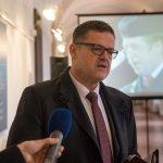Senátor Lumír Kantor na vernisáži výstavy
