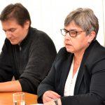 Laděna Plucarová, v pozadí Jan Blüml